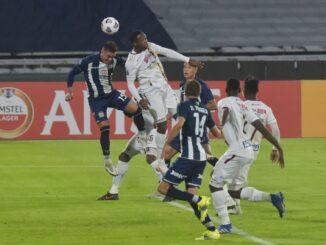 Deportes-Tolima-quedo-eliminado-de-la-Copa-Sudamericana.-Facundo-Luque-via-Cordoba